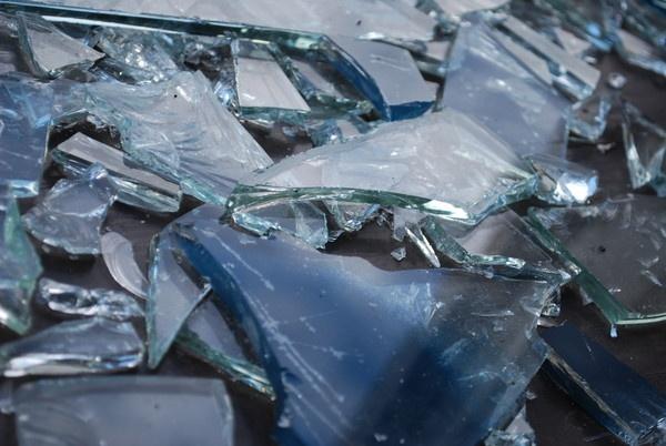 Broken Glass by toniiixx