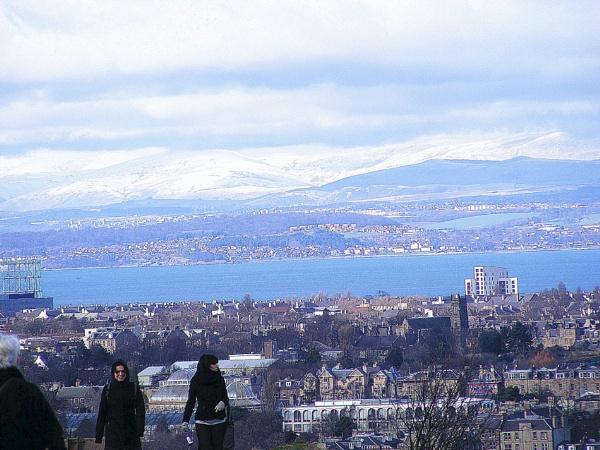 tourists over Edinburgh by allydon99
