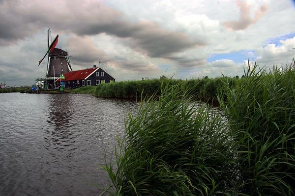 Windmill by akahmed