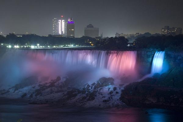 Niagara Falls by chieflong