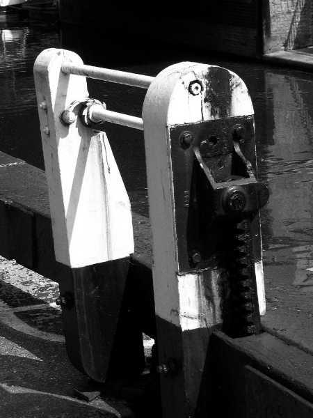 Camden Lock by david1000