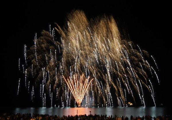 Fireworks by alianar