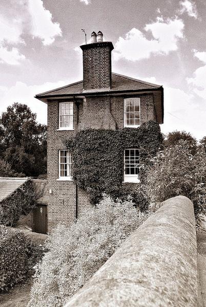 Stocker\'s House by snaphotos