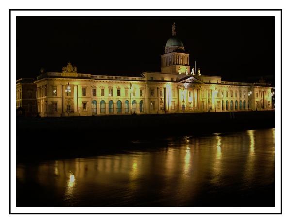 Customs House Dublin by tonypic