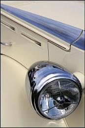 Silver & Cream Detail