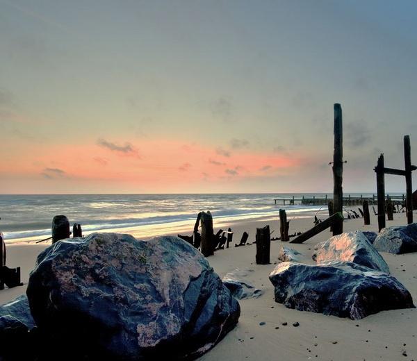 Seaside Rock by Scooby10