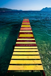 A cheerful jetty!