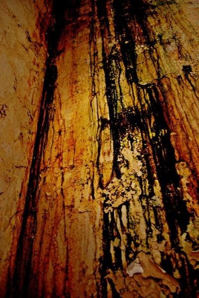 creepy wall by toniiixx