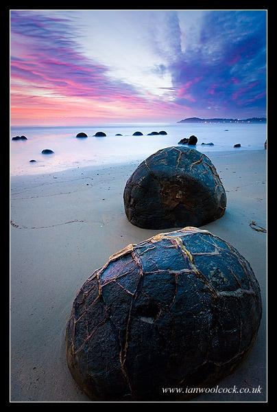 Boulder Dawn by iwool
