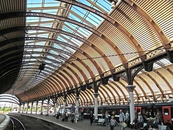 York Station by panda