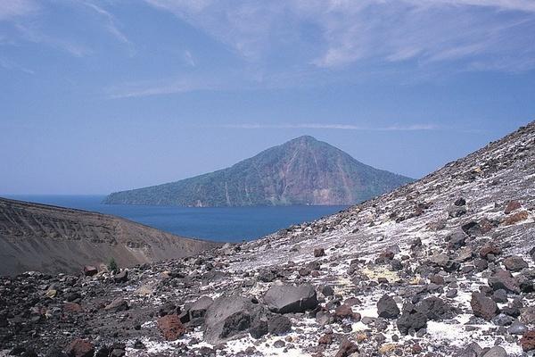 Krakatau by GregnTreesPhotography
