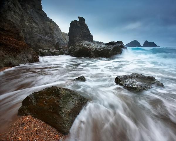 Gull Rocks.. by chris-p