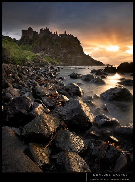 Dunluce Castle by garymcparland