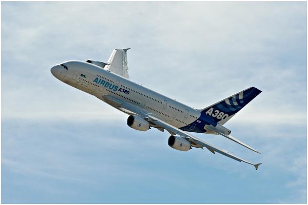 Airbus A380 by kenbishop