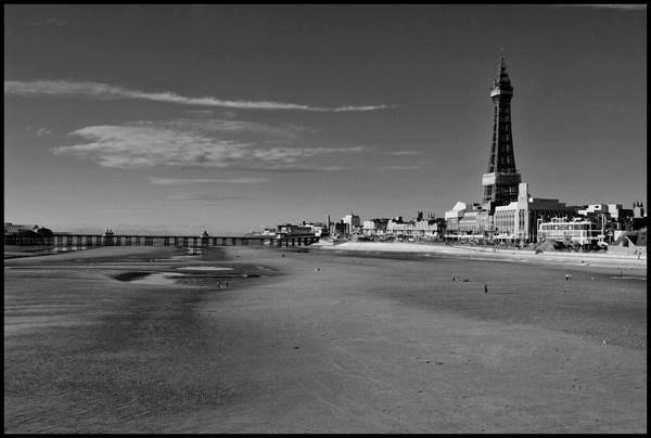 Blackpool Beach. by robertwilliams