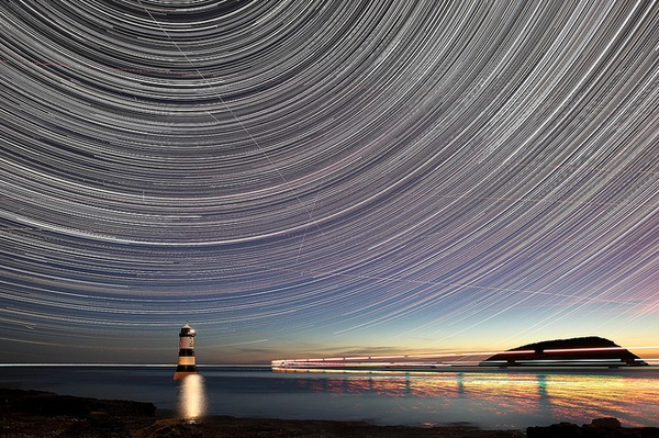 Penmon Point Lighthouse - Startrail by klewis