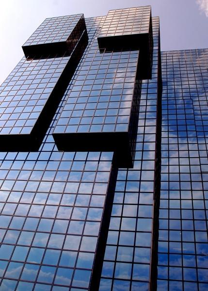 London skyscraper by geoffmilner