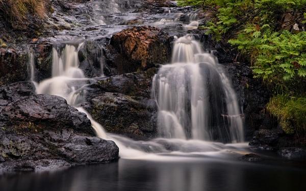 Waterfall by treblecel