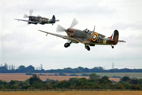 Spitfire scramble by RTR