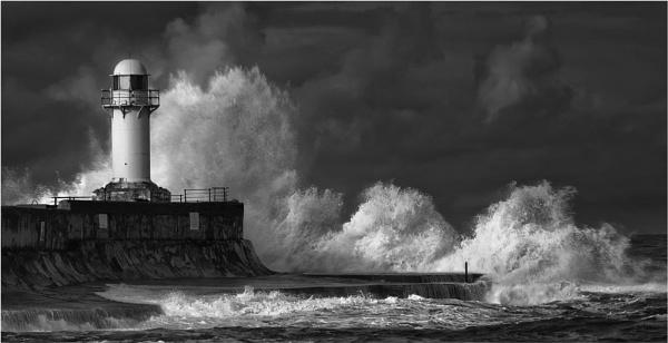 Rough Sea\'s by iansnowdon