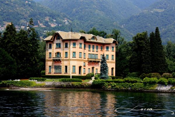 Como Lake by Trojan