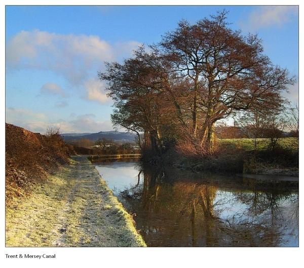 Wintery Canal by Ianto74