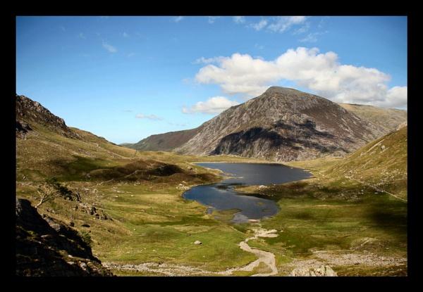 Nant Francon, Snowdonia by kencbr