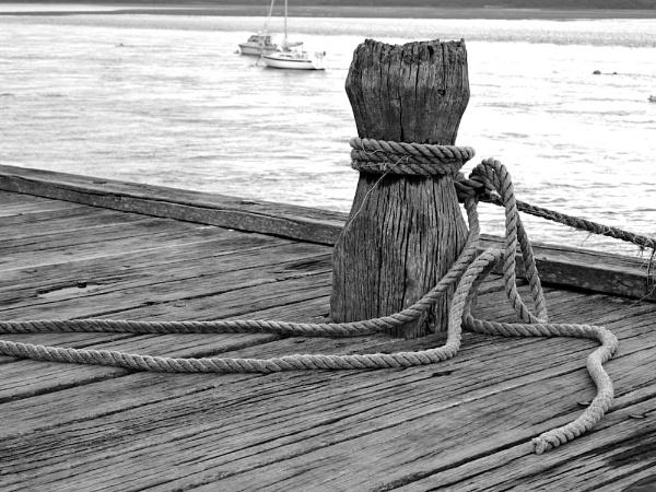 Bollard & Rope by Willmer