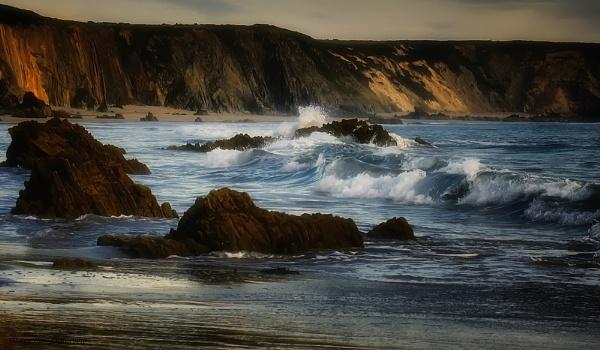 CRASHING WAVES by Imagephotographics