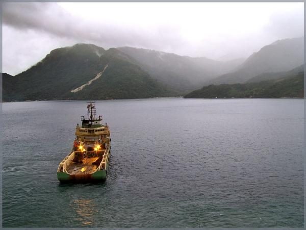 Green boat by EddyG