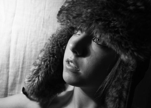 B&W Portrait.. help by woollyback