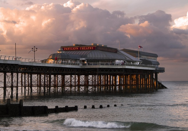 Cromer Pier by SeanyP
