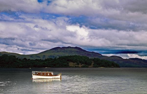 Boat by WalidD300