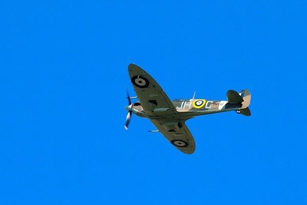 Spitfire mk5b by geoffmilner