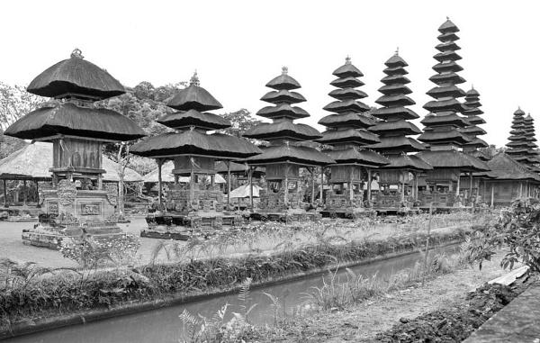 Taman Ayun Temple, Bali by jkennedy