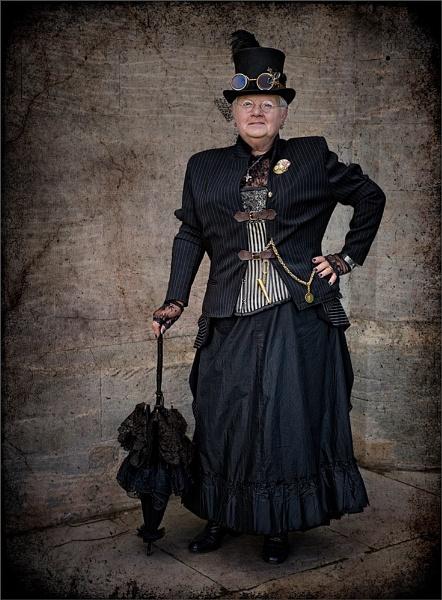 Lady in Black by AlleyCatz