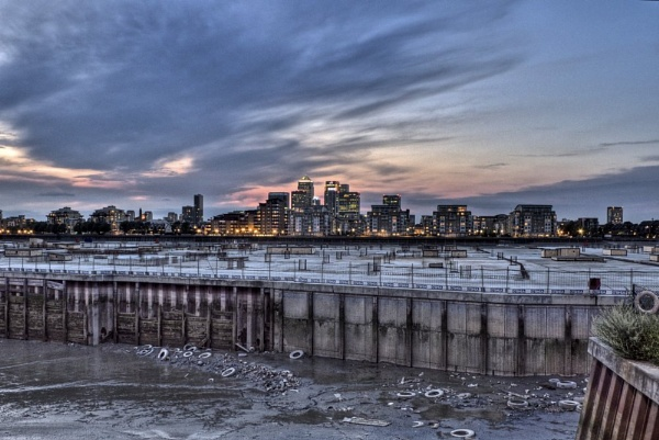 London sunset by maxmelvin19