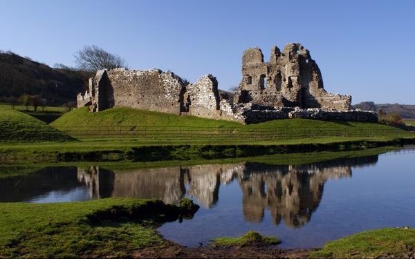 ogmore castle by zapar40