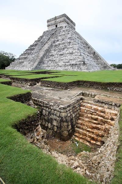 Chichen Itza excavations by Dazbo