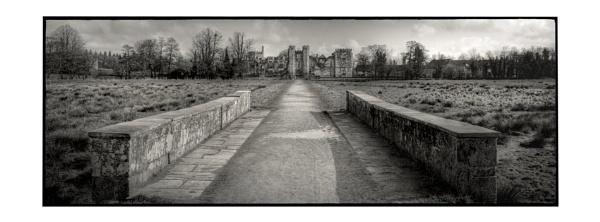 Cowdray Ruins by ohlavache