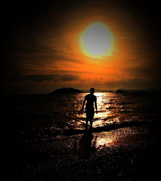 Sunset by stuhalloran