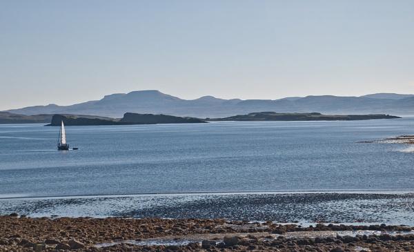 Sailing on the west coast of Skye by Sasanach