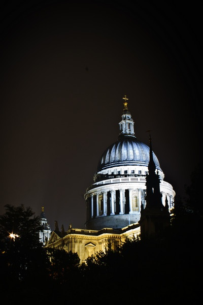 St Paul\'s Last Night by trickster