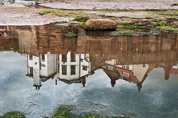 robin hoods bay reflection by stefan