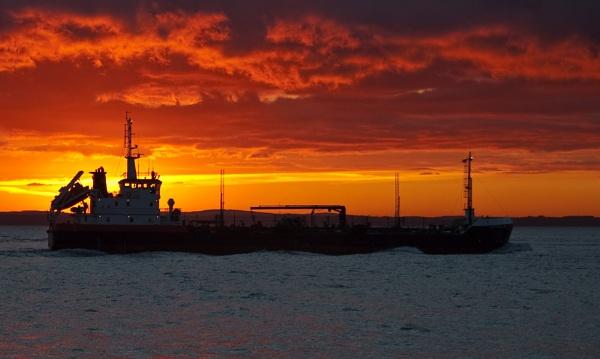 Sunset Shipping by Trev_B