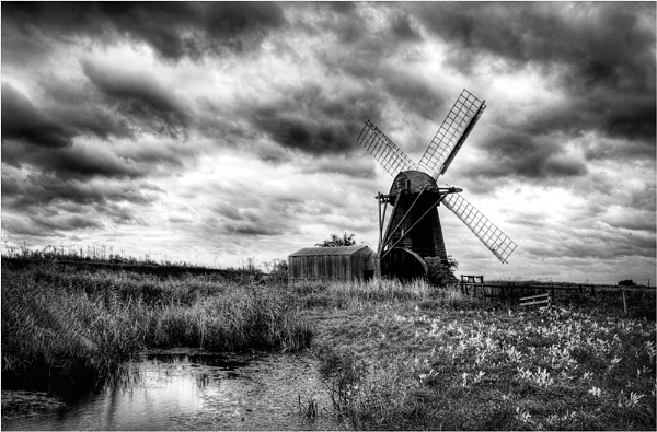dull and dismal herringfleet by cassiecat