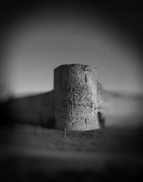 Pevensey Castle by losbarbados