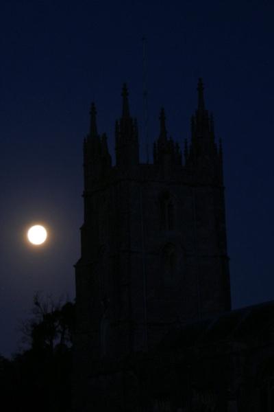 Moonrise in Wraxall by jon gopsill