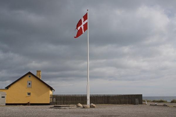 Red Flag by marcobarbieri