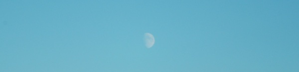 Little moon by toniiixx
